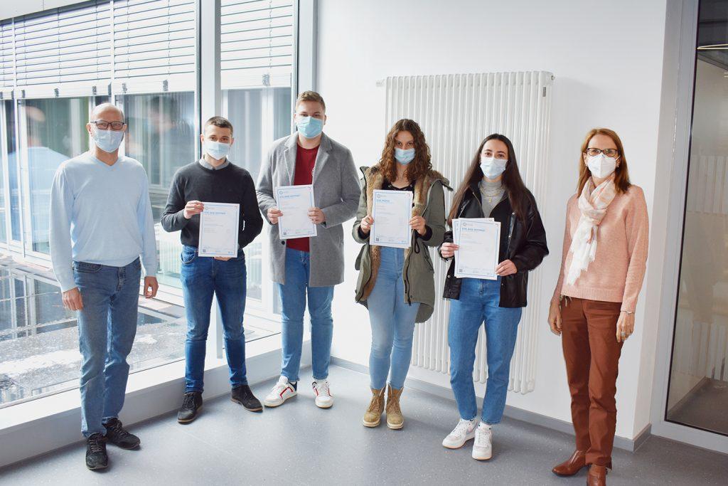 Schüler mit ECDL Zertifikat